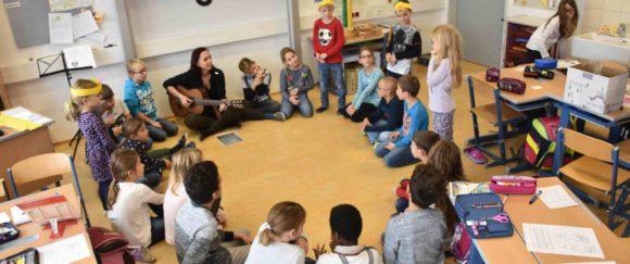 Kindergartenkinder zu Besuch